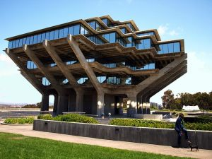 800px-Geisel-Library
